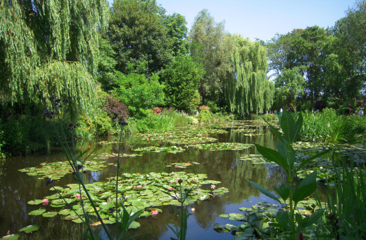 giverny_eau_chauffeurs_prives