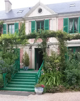 giverny_maison_monet_entrée_isabelle_chauffeurs_prives